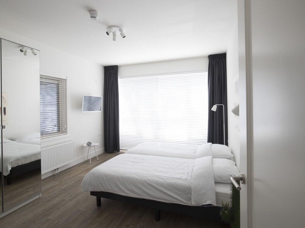 Ferienhaus Luxuriöse Villa mit Außenküche und Aussicht auf einen Freizeitsee (2752950), Maurik, Rivierenland, Gelderland, Niederlande, Bild 10