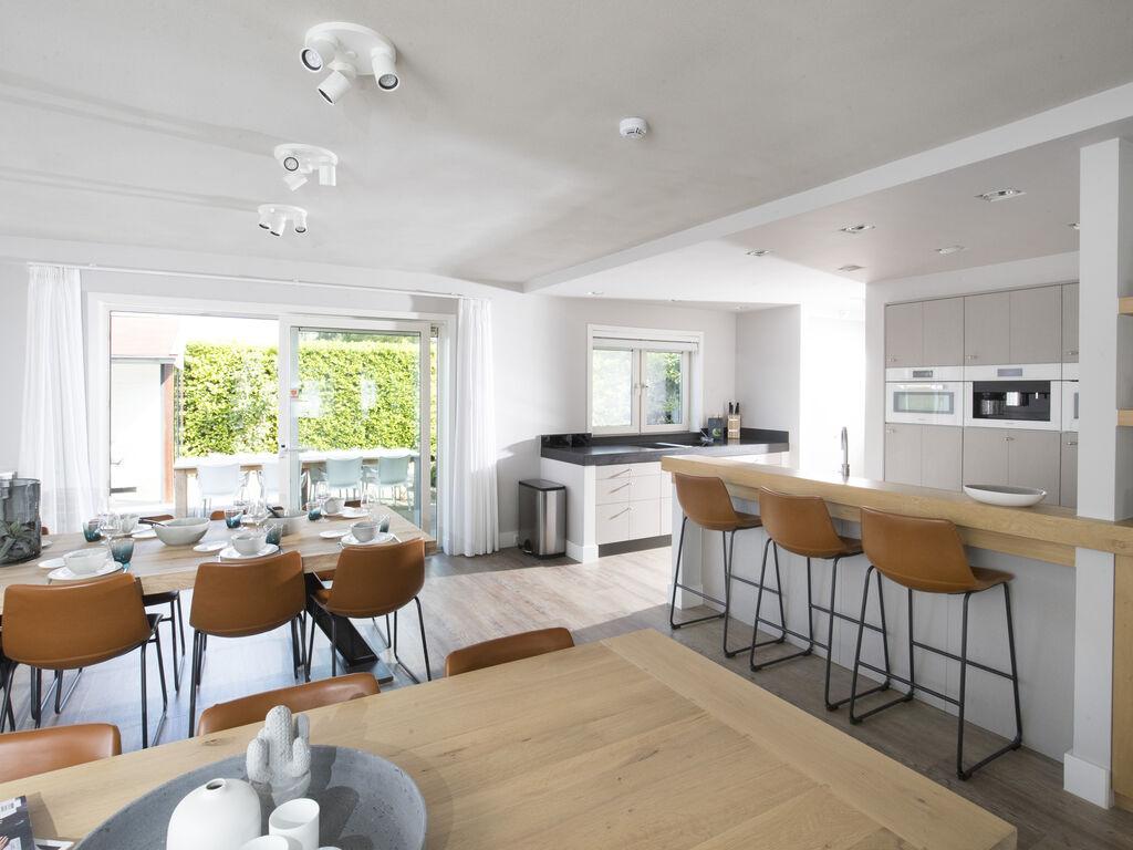 Ferienhaus Luxuriöse Villa mit Außenküche und Aussicht auf einen Freizeitsee (2752950), Maurik, Rivierenland, Gelderland, Niederlande, Bild 5