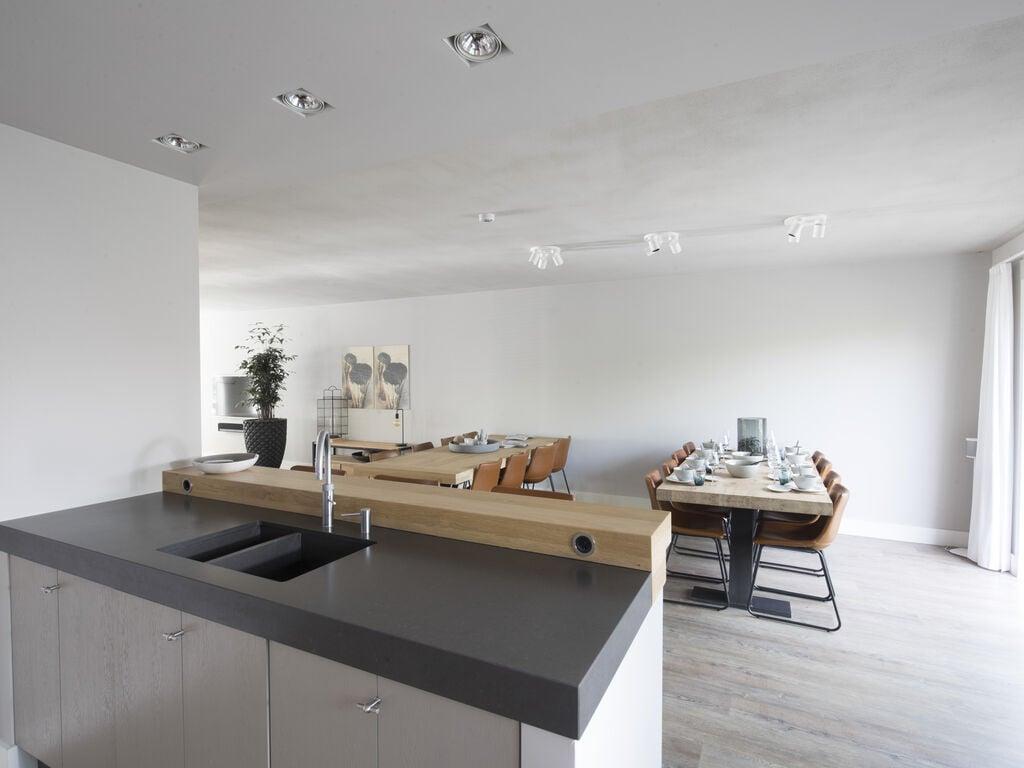 Ferienhaus Luxuriöse Villa mit Außenküche und Aussicht auf einen Freizeitsee (2752950), Maurik, Rivierenland, Gelderland, Niederlande, Bild 6