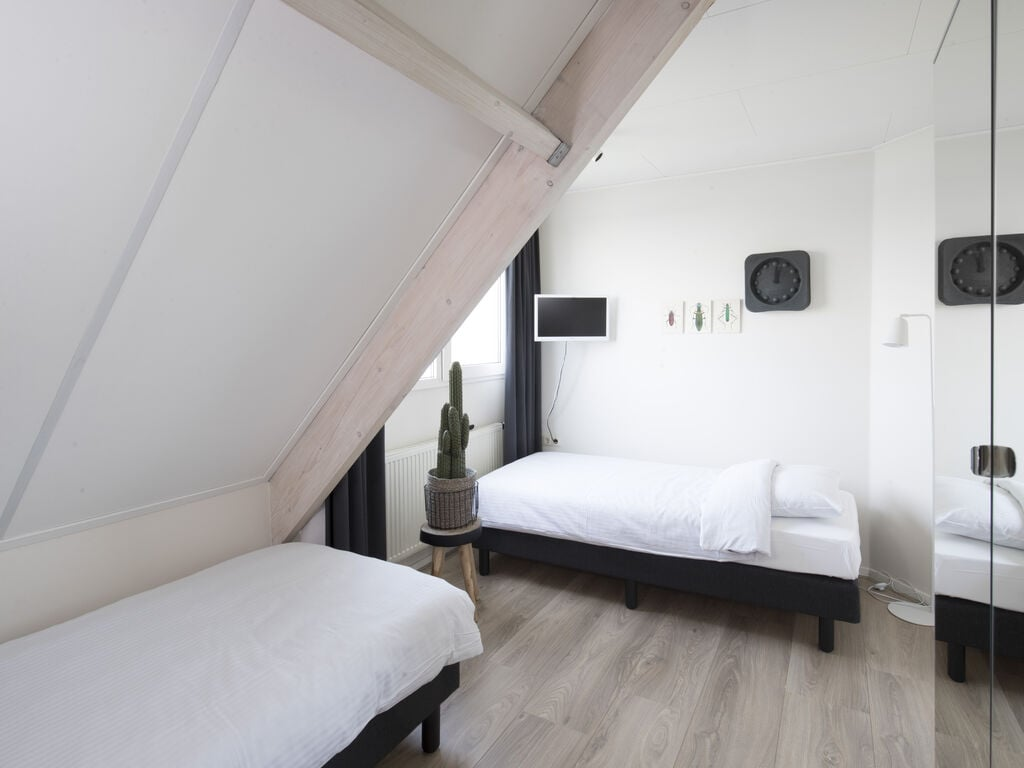Ferienhaus Luxuriöse Villa mit Außenküche und Aussicht auf einen Freizeitsee (2752950), Maurik, Rivierenland, Gelderland, Niederlande, Bild 12
