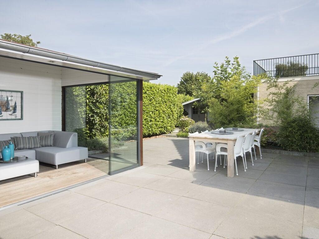 Ferienhaus Luxuriöse Villa mit Außenküche und Aussicht auf einen Freizeitsee (2752950), Maurik, Rivierenland, Gelderland, Niederlande, Bild 19