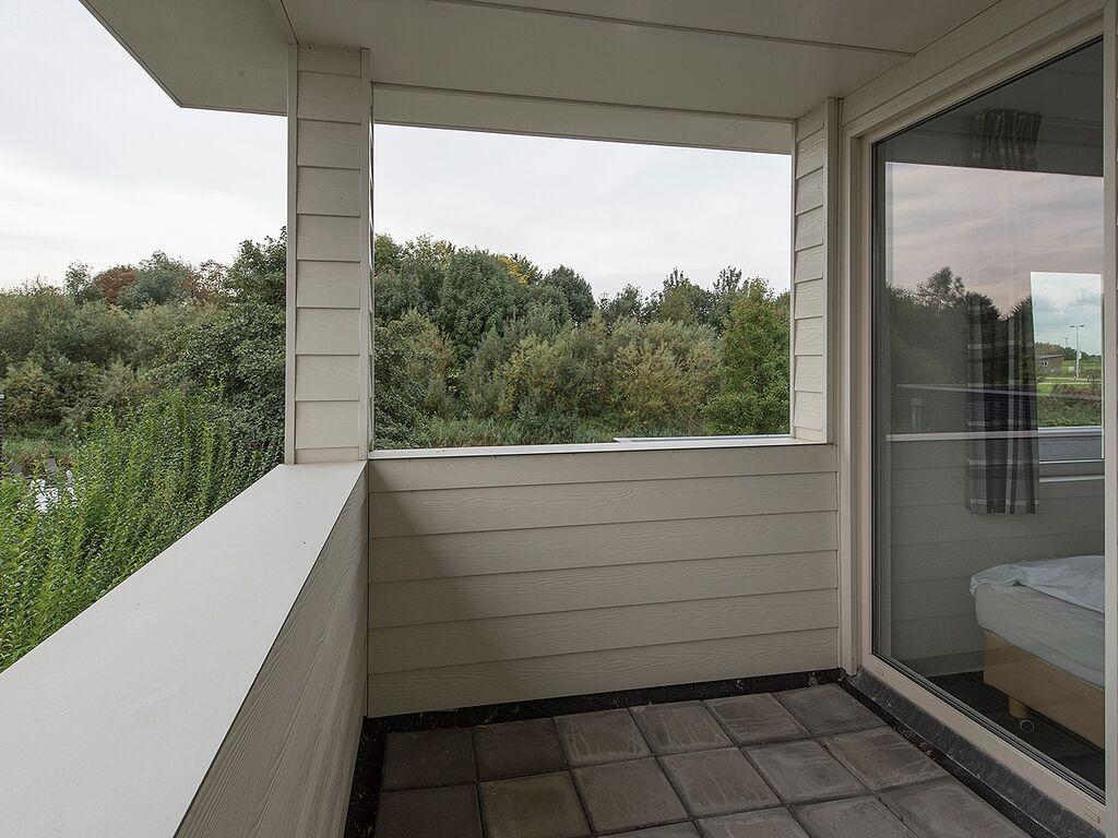 Ferienhaus Luxusvilla in Harderwijk mit Garten direkt am Wasser (2785222), Zeewolde, , Flevoland, Niederlande, Bild 2
