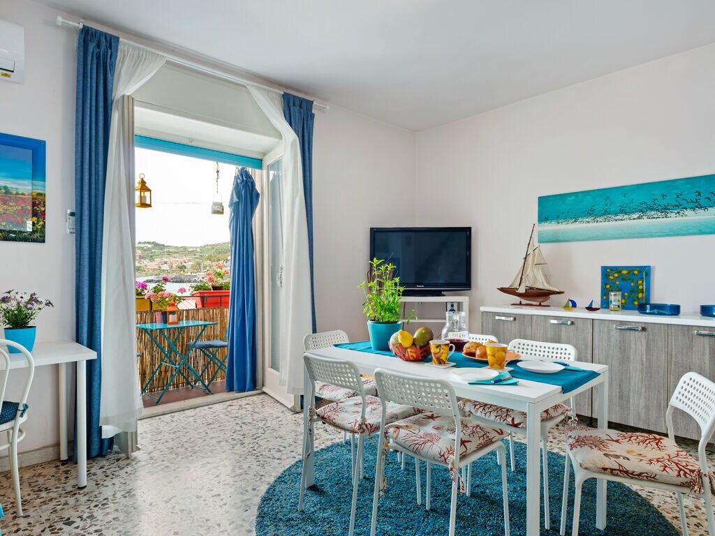 Maison de vacances capomulini Apartment sea front (2780321), Acireale, Catania, Sicile, Italie, image 1