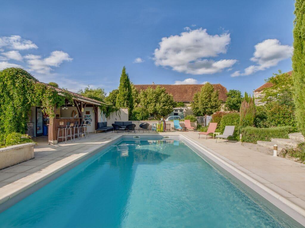 Ferienhaus Gemütliches Ferienhaus in Dégagnac mit beheiztem Pool und Whirlpool (2791007), Salviac, Lot, Midi-Pyrénées, Frankreich, Bild 8