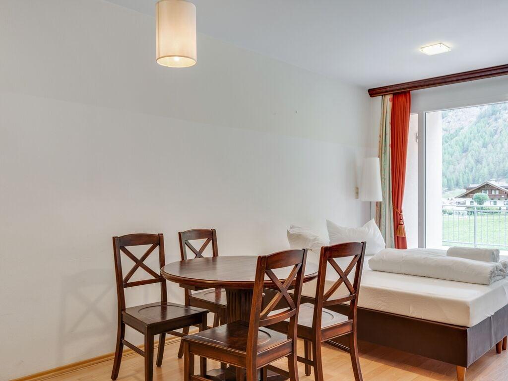 Ferienwohnung Elegante Wohnung in Zwieselstein mit Garten (2808846), Sölden (AT), Ötztal, Tirol, Österreich, Bild 9