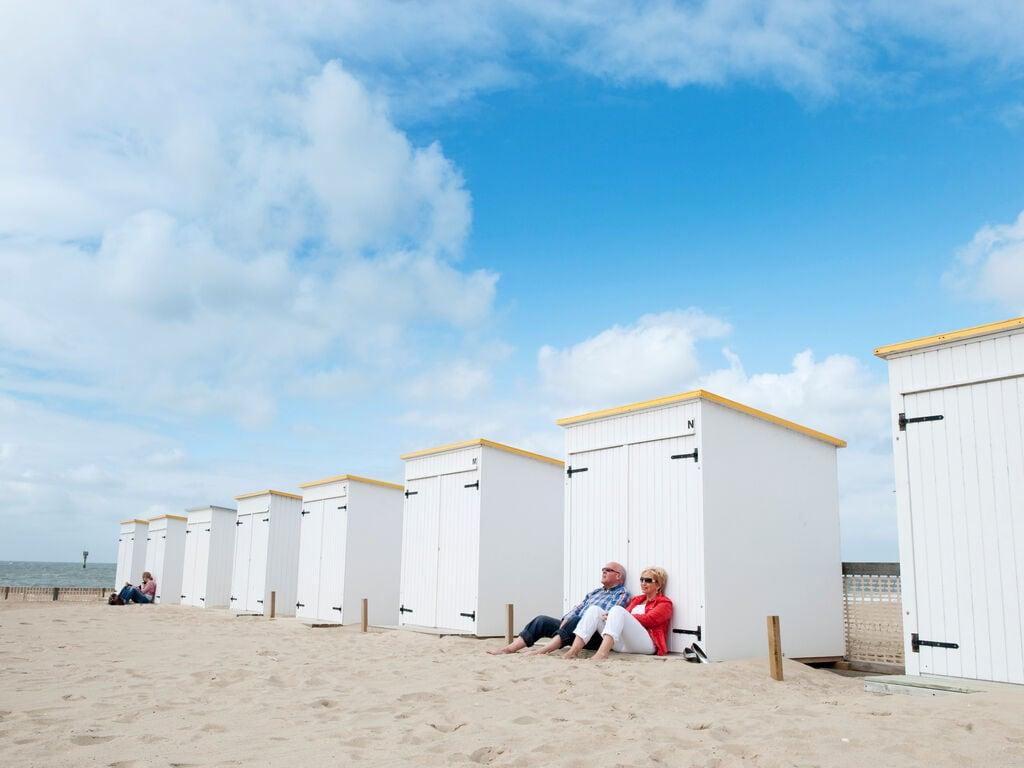 Ferienhaus Moderne Lodge mit Kombi-Mikrowelle, 500 m vom Strand entfernt. (2780002), Nieuwvliet, , Seeland, Niederlande, Bild 6