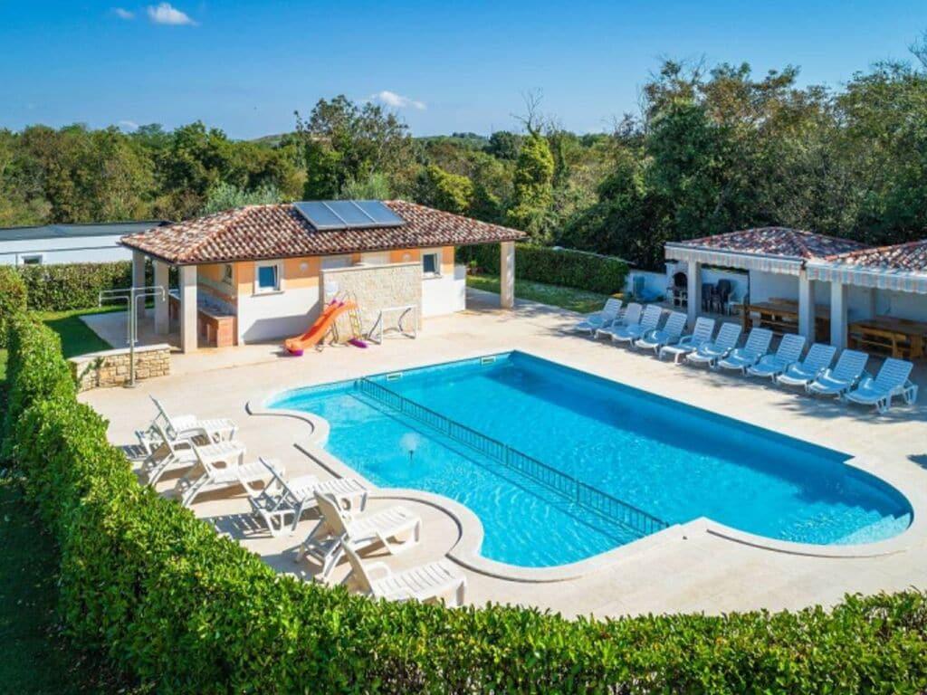 Wunderschönes Mobilheim in Banjole mit Swimmi Ferienpark