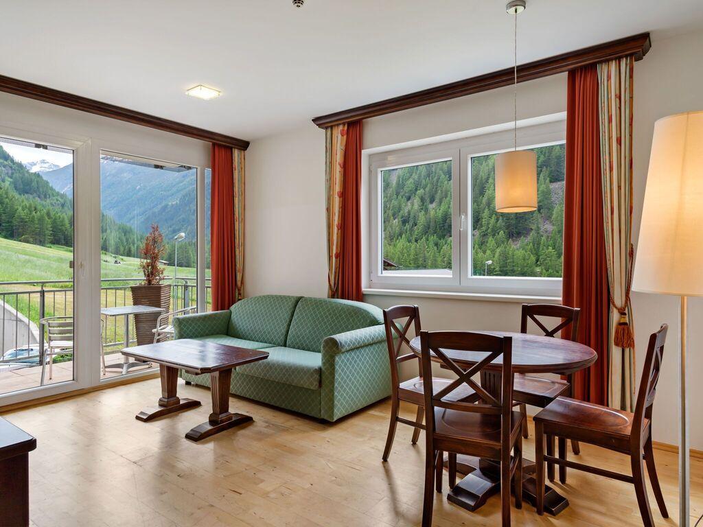 Hübsche Wohnung in Zwieselstein mit Balkon Ferienwohnung