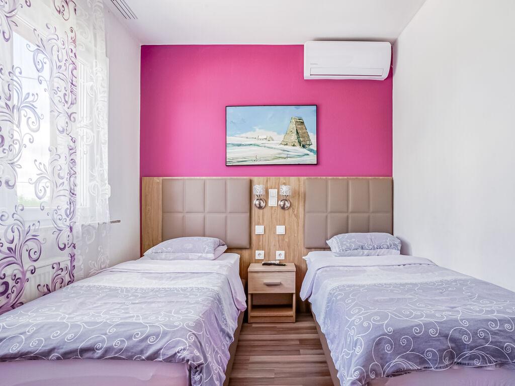 Ferienhaus Geräumiges Ferienhaus mit Swimmingpool in Vukovar (2809008), Vukovar, , Slawonien, Kroatien, Bild 10