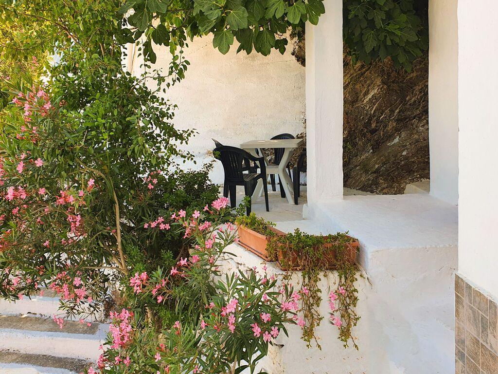 Holiday apartment Einladende Wohnung in Therma mit Balkon (2820144), Aj. Kirykos, Ikaria, Dodecanes Islands, Greece, picture 16