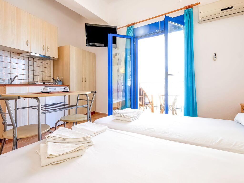 Holiday apartment Einladende Wohnung in Therma mit Balkon (2820144), Aj. Kirykos, Ikaria, Dodecanes Islands, Greece, picture 8