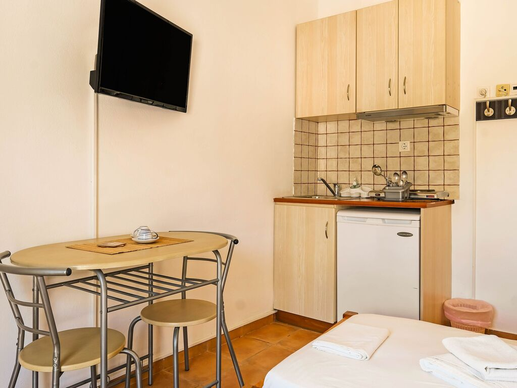 Holiday apartment Herrliche Wohnung in Therma mit Balkon (2820125), Aj. Kirykos, Ikaria, Dodecanes Islands, Greece, picture 3