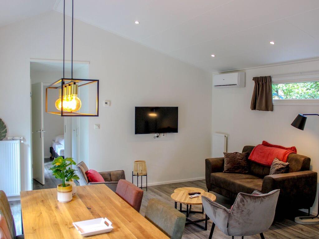 Ferienhaus Attraktives Chalet mit Klimaanlage an der Veluwe (2838357), Woeste hoeve, Veluwe, Gelderland, Niederlande, Bild 2
