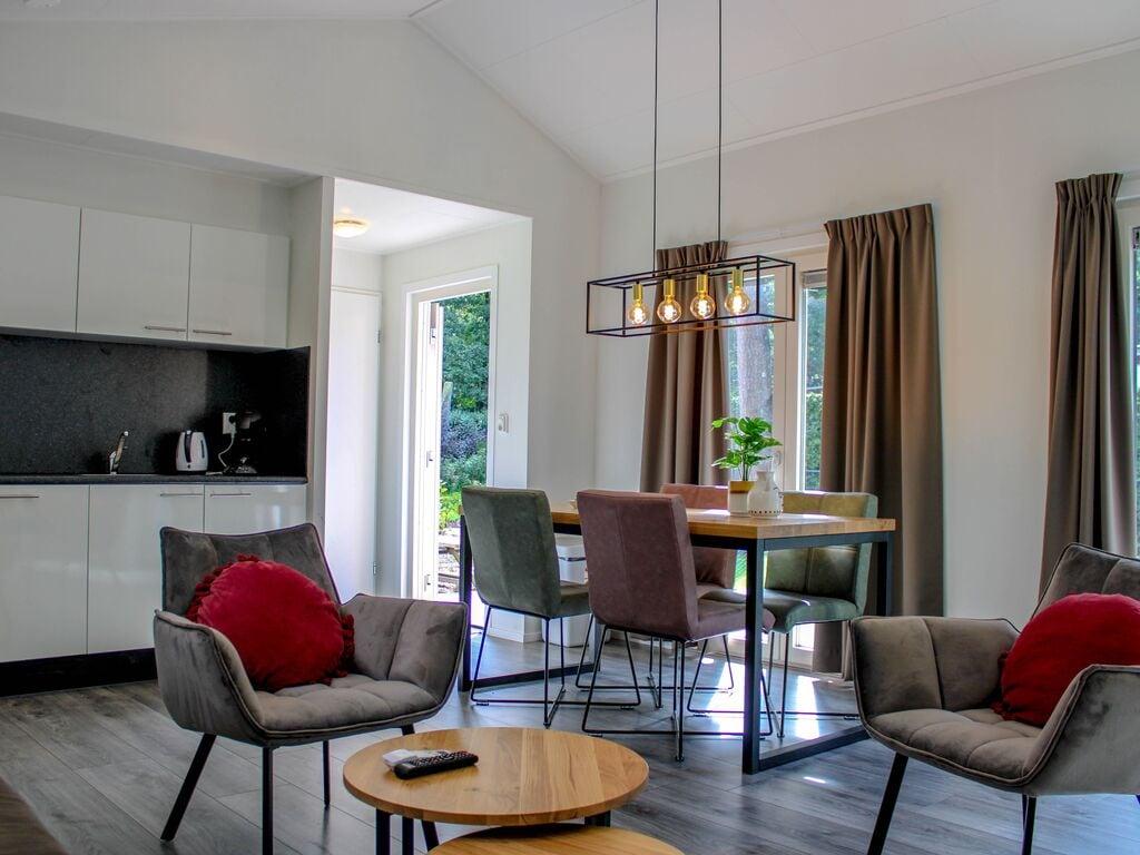 Ferienhaus Attraktives Chalet mit Klimaanlage an der Veluwe (2838357), Woeste hoeve, Veluwe, Gelderland, Niederlande, Bild 3
