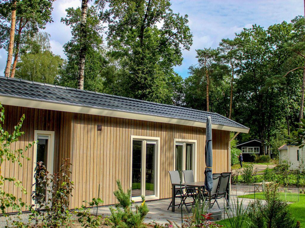 Ferienhaus Attraktives Chalet mit Klimaanlage an der Veluwe (2838357), Woeste hoeve, Veluwe, Gelderland, Niederlande, Bild 1