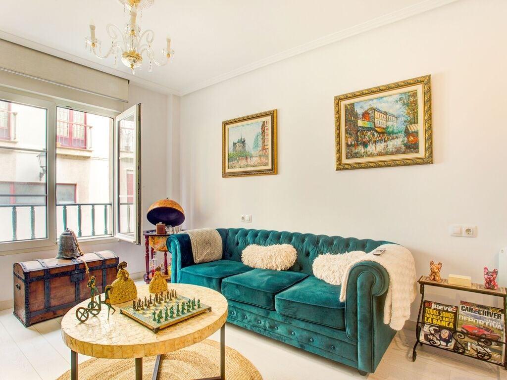 Charmantes Apartment in Gijón in der Nä Ferienwohnung  Costa Verde