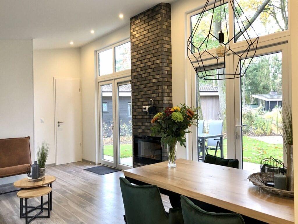 Ferienhaus Luxus-Chalet mit dekorativem Kamin in der Nähe der Veluwe (2850610), Woeste hoeve, Veluwe, Gelderland, Niederlande, Bild 3