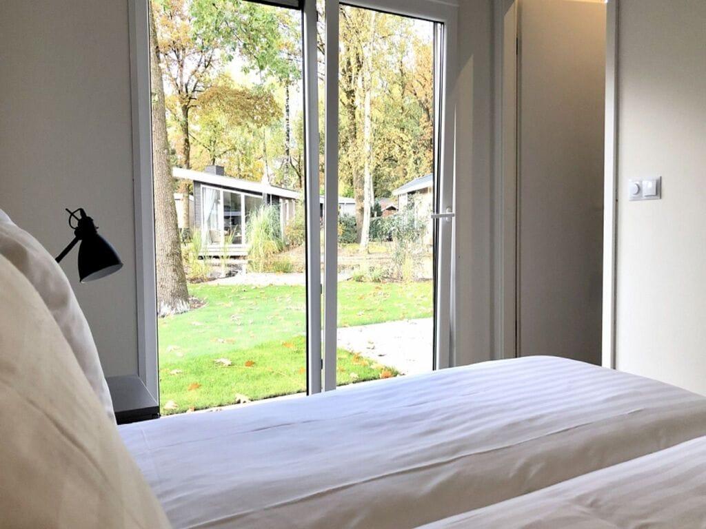 Ferienhaus Luxus-Chalet mit dekorativem Kamin in der Nähe der Veluwe (2850610), Woeste hoeve, Veluwe, Gelderland, Niederlande, Bild 9