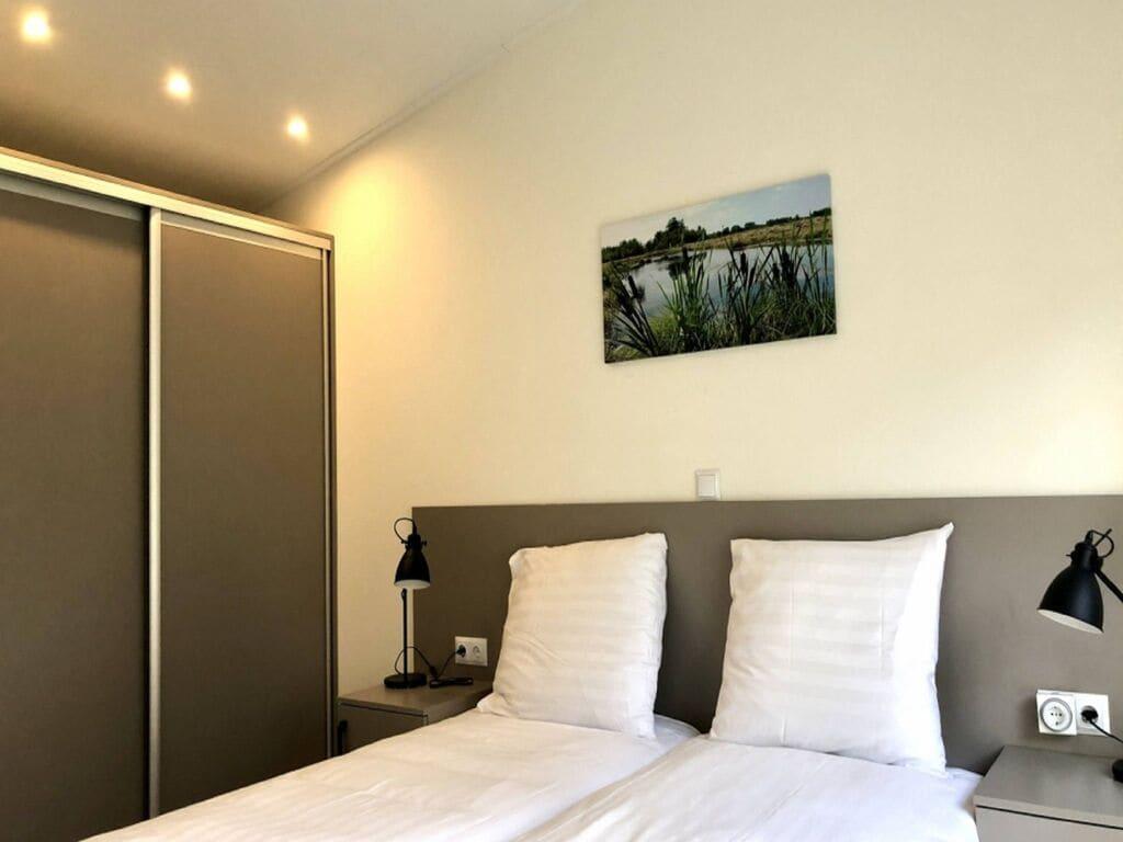 Ferienhaus Luxus-Chalet mit dekorativem Kamin in der Nähe der Veluwe (2850610), Woeste hoeve, Veluwe, Gelderland, Niederlande, Bild 8