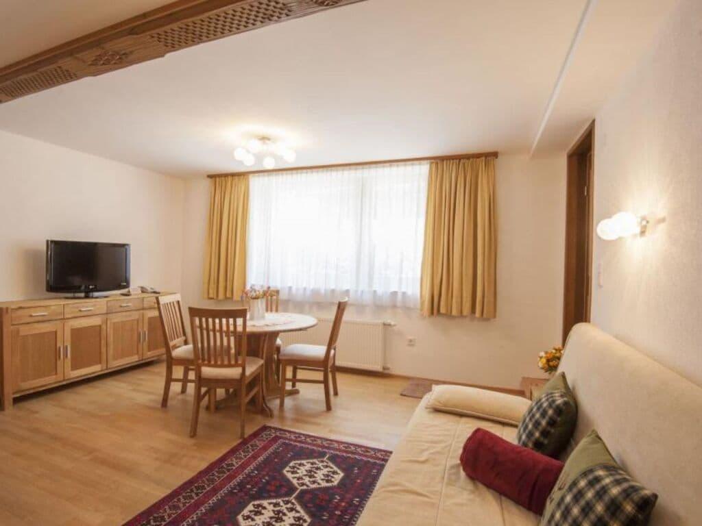 Ferienwohnung Schönes 2-Raum-Apartment mit Balkon und Blick auf die Berge (2861440), Reith bei Seefeld, Seefeld, Tirol, Österreich, Bild 2
