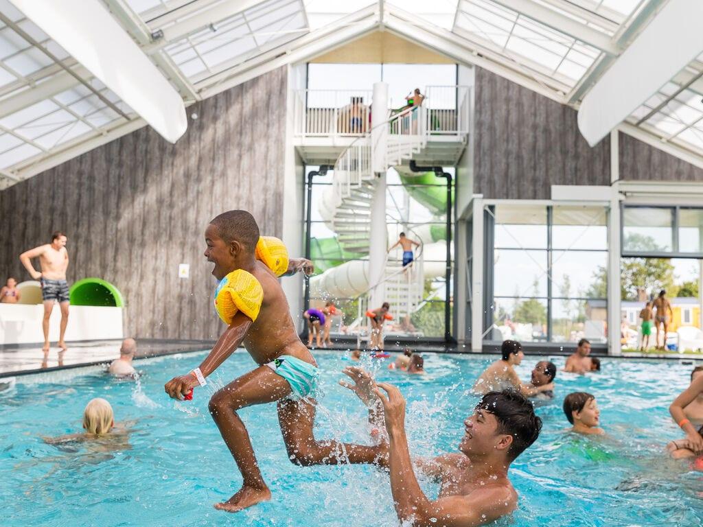 Ferienhaus Gemütliches Chalet mit Geschirrspüler, in der Nähe eines Sees (2870016), Maurik, Rivierenland, Gelderland, Niederlande, Bild 9