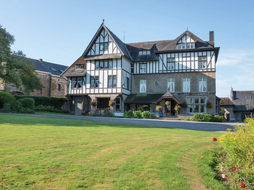 Chateau de Jevoumont Besondere Immobilie