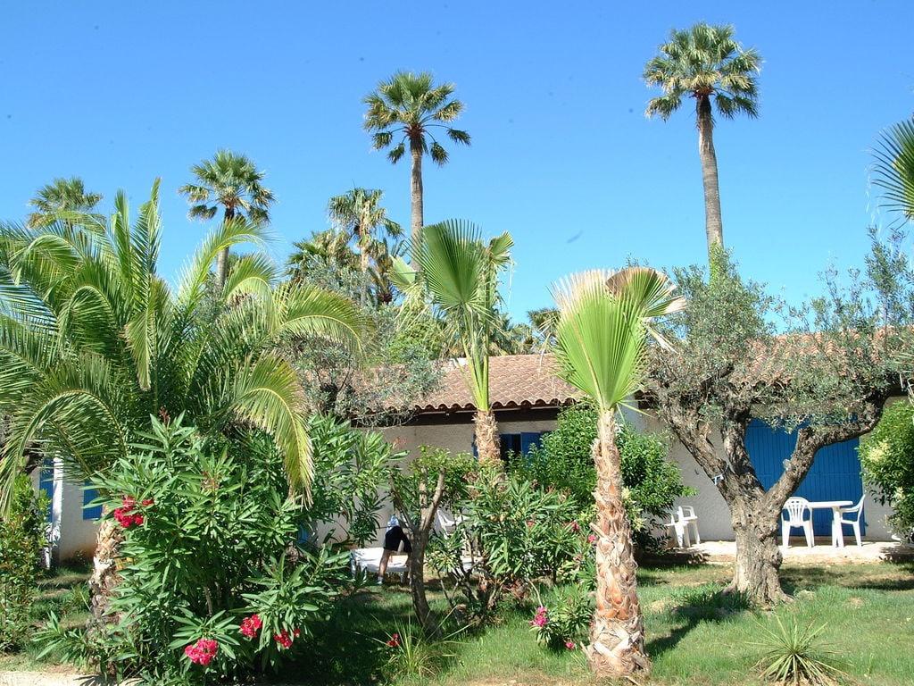 Holiday house Gepflegter Bungalow mit Kombi-Mikrowelle, Strand in 5 km. (256265), Fréjus, Côte d'Azur, Provence - Alps - Côte d'Azur, France, picture 1