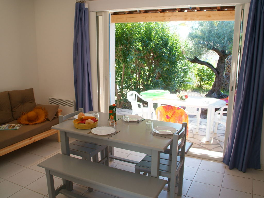 Ferienhaus Gepflegter Bungalow mit Kombi-Mikrowelle, Strand in 5 km. (256265), Fréjus, Côte d'Azur, Provence - Alpen - Côte d'Azur, Frankreich, Bild 9