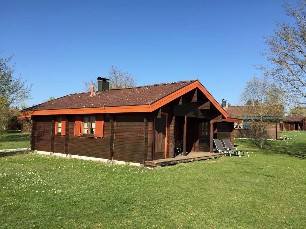 Ferienhaus Gemütlicher Holz-Bungalow mit Ofen im Naturschutzgebiet (255342), Hayingen, Schwäbische Alb, Baden-Württemberg, Deutschland, Bild 2