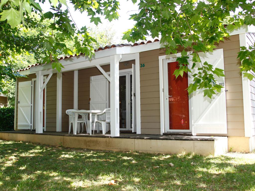 Ferienhaus Freistehendes Chalet mit überdachter Terrasse in der Natur (256253), Gaillac, Tarn, Midi-Pyrénées, Frankreich, Bild 2