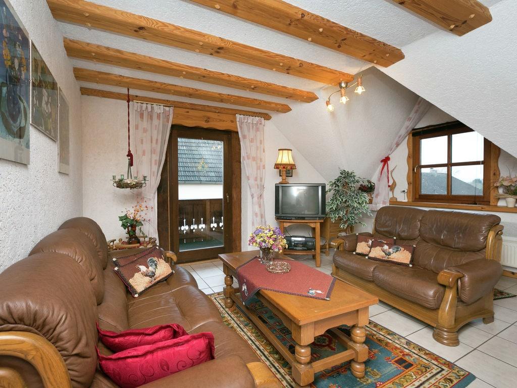 Ferienwohnung Einladendes Apartment in Bombogen (D) mit privatem Parkplatz (255112), Wittlich, Moseleifel, Rheinland-Pfalz, Deutschland, Bild 2