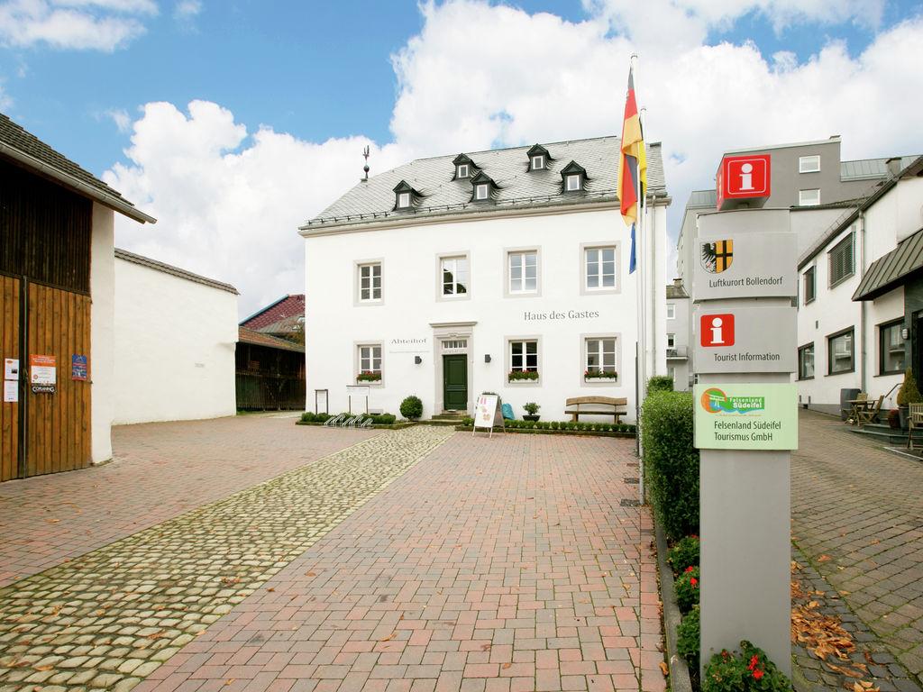 Ferienhaus Komfortable Ferienwohnung mit 2 Schlafzimmern mit großem Balkon und schönem Ausblick in de (255203), Bollendorf, Südeifel, Rheinland-Pfalz, Deutschland, Bild 8