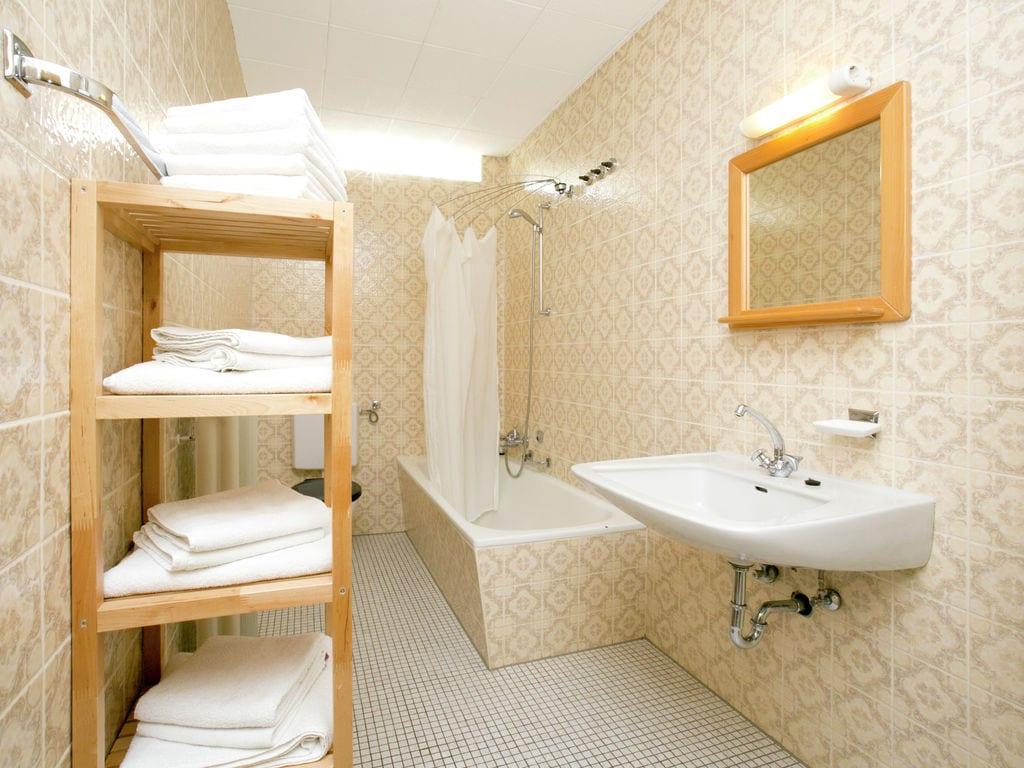 Ferienhaus Komfortable Ferienwohnung mit 2 Schlafzimmern mit großem Balkon und schönem Ausblick in de (255203), Bollendorf, Südeifel, Rheinland-Pfalz, Deutschland, Bild 18