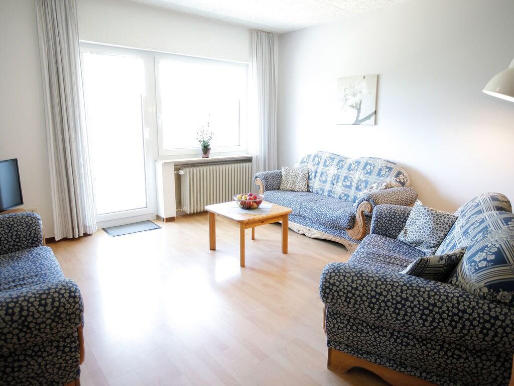 Ferienhaus Komfortable Ferienwohnung mit 2 Schlafzimmern mit großem Balkon und schönem Ausblick in de (255203), Bollendorf, Südeifel, Rheinland-Pfalz, Deutschland, Bild 13