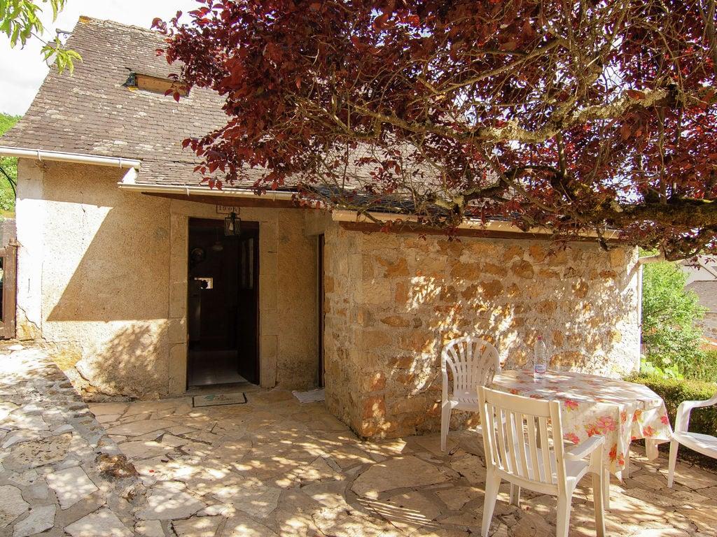 Ferienhaus Idyllisches Cottage mit Terrasse in Roziers (61300), Saint Pantaléon de Larche, Corrèze, Limousin, Frankreich, Bild 8
