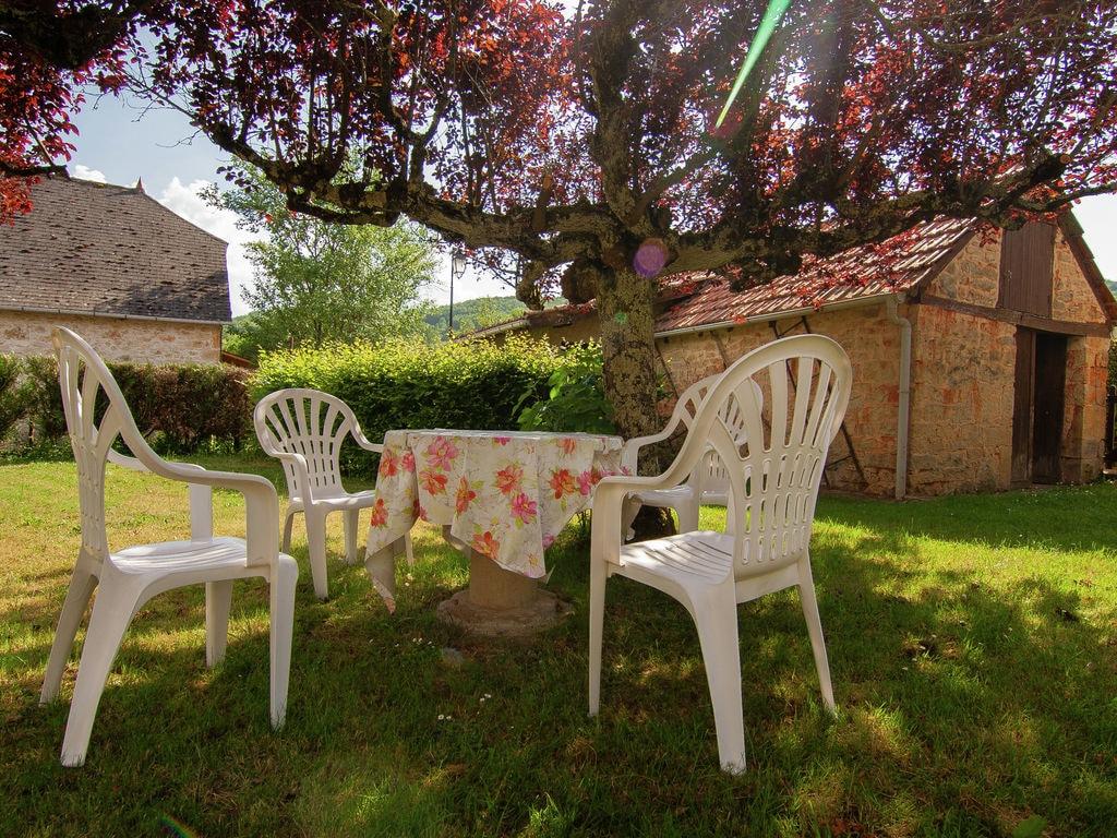 Ferienhaus Idyllisches Cottage mit Terrasse in Roziers (61300), Saint Pantaléon de Larche, Corrèze, Limousin, Frankreich, Bild 4