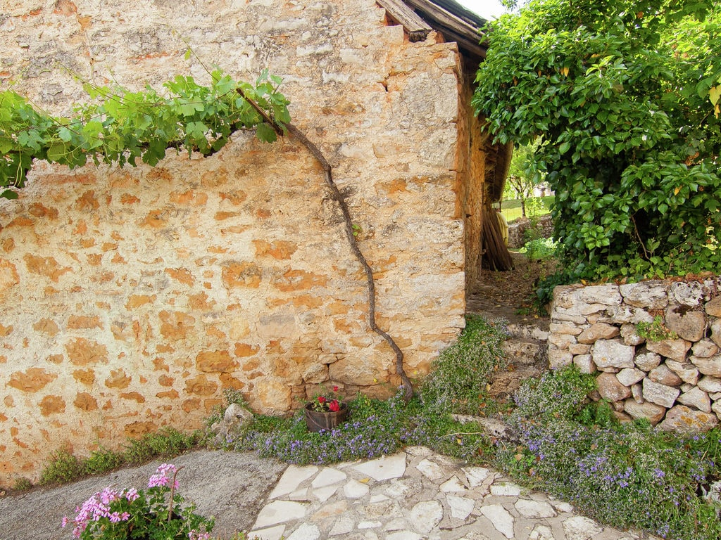 Ferienhaus Idyllisches Cottage mit Terrasse in Roziers (61300), Saint Pantaléon de Larche, Corrèze, Limousin, Frankreich, Bild 22