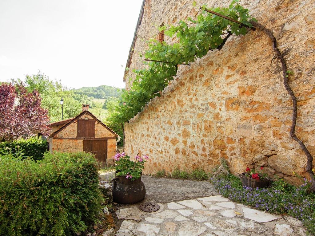 Ferienhaus Idyllisches Cottage mit Terrasse in Roziers (61300), Saint Pantaléon de Larche, Corrèze, Limousin, Frankreich, Bild 11