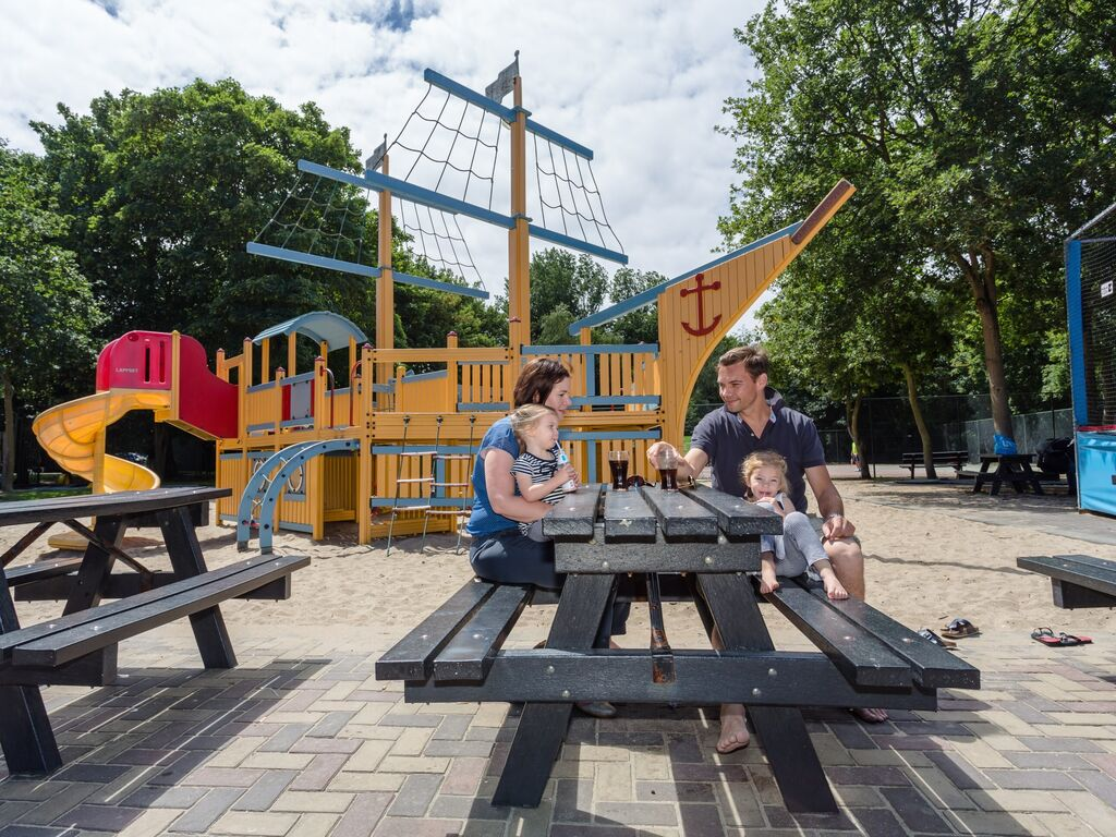 Ferienhaus Komfortables Ferienhaus mit zwei Badezimmern, in Strandnähe (256904), 's-Gravenhage, , Südholland, Niederlande, Bild 12