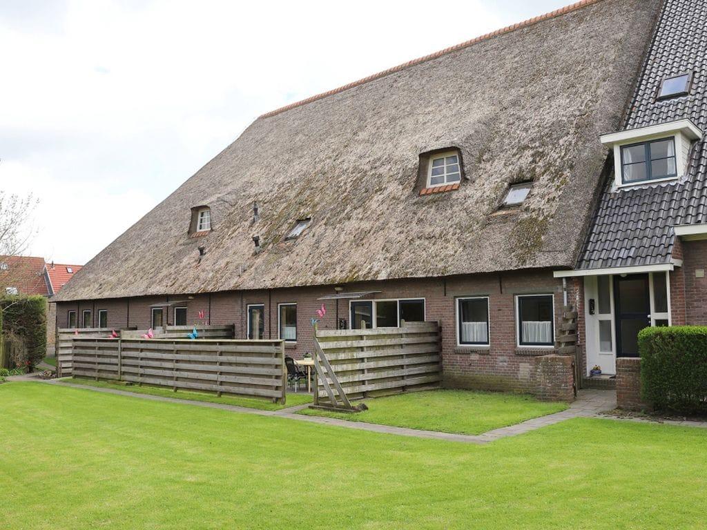 Maison de vacances Geräumiges Bauernhaus im ruhigen Dorf Arum in der Nähe des IJsselmeer! (61001), Grauwe Kat, , , Pays-Bas, image 1