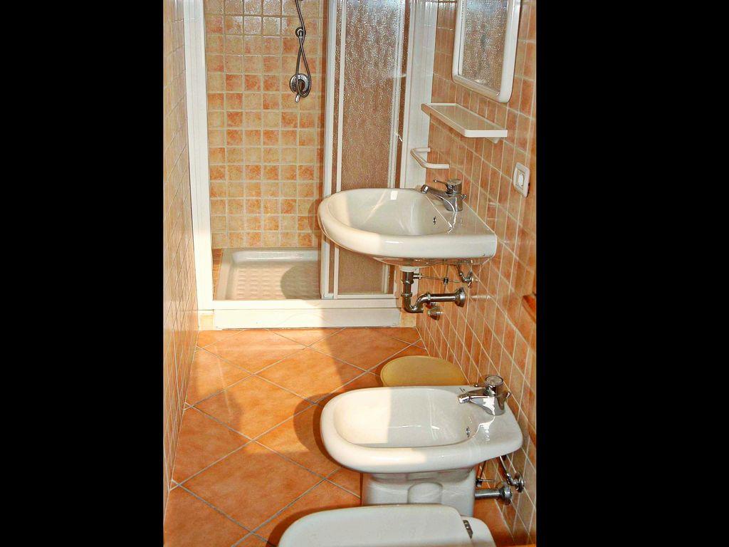 Ferienwohnung Geräumiges Appartement mit Terrasse in Menaggio (256588), Menaggio, Comer See, Lombardei, Italien, Bild 14