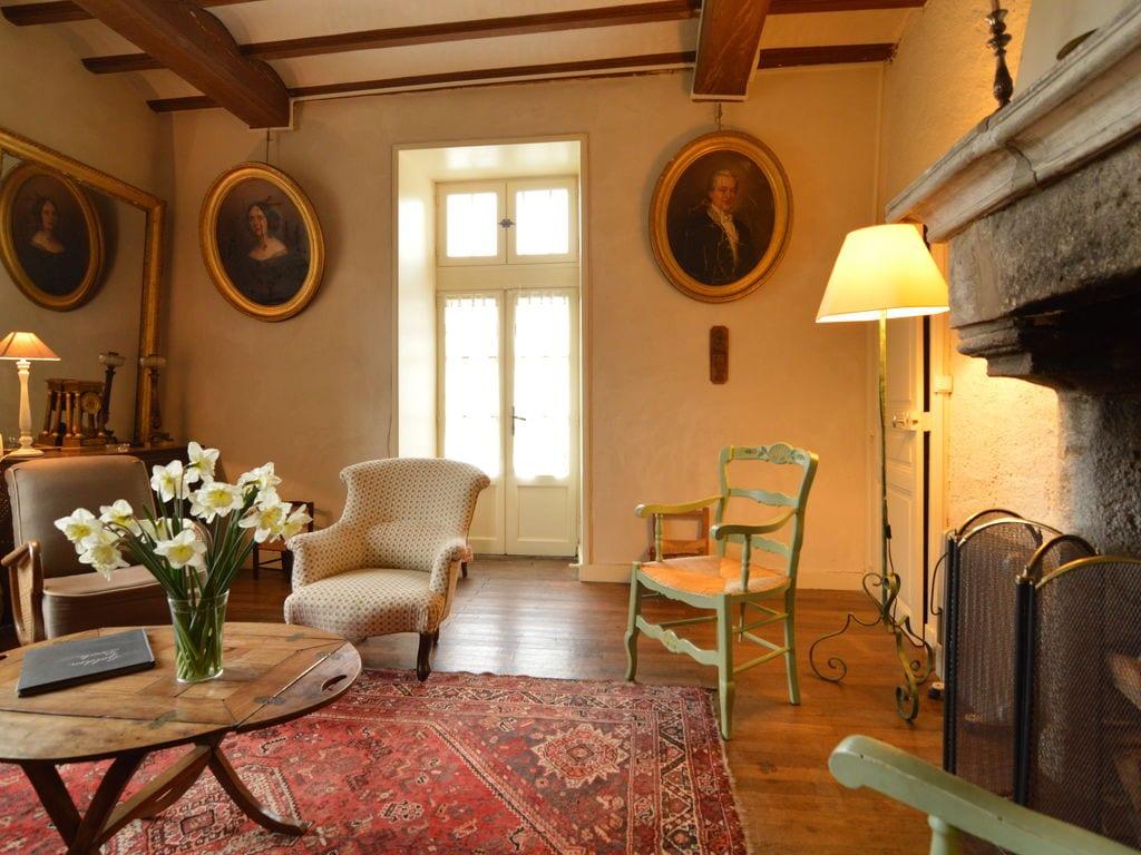 Ferienhaus Wunderschönes Herrenhaus mit Pool in Saint-Paul-du-Bois (65770), Vihiers, Maine-et-Loire, Pays de la Loire, Frankreich, Bild 8