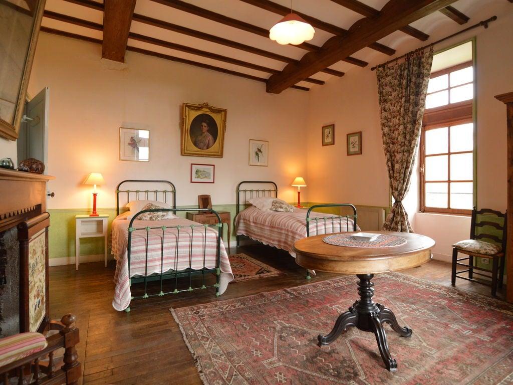 Ferienhaus Wunderschönes Herrenhaus mit Pool in Saint-Paul-du-Bois (65770), Vihiers, Maine-et-Loire, Pays de la Loire, Frankreich, Bild 3
