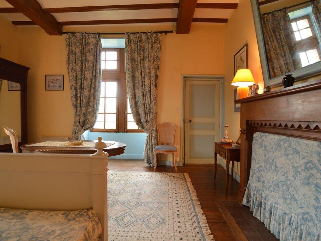 Ferienhaus Wunderschönes Herrenhaus mit Pool in Saint-Paul-du-Bois (65770), Vihiers, Maine-et-Loire, Pays de la Loire, Frankreich, Bild 16