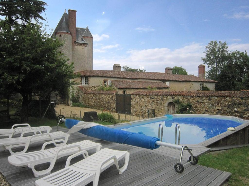 Ferienhaus Wunderschönes Herrenhaus mit Pool in Saint-Paul-du-Bois (65770), Vihiers, Maine-et-Loire, Pays de la Loire, Frankreich, Bild 7