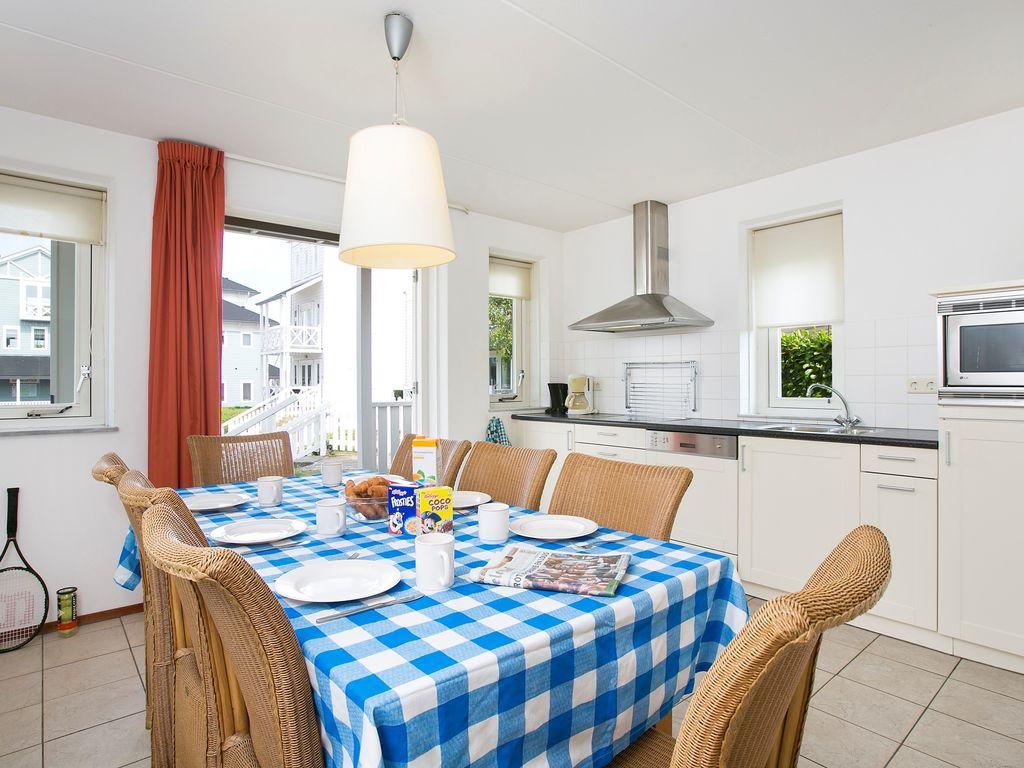 Ferienhaus Schöne Villa mit 2 Badezimmern, 9 km von Rockanje entfernt (311898), Hellevoetsluis, , Südholland, Niederlande, Bild 4