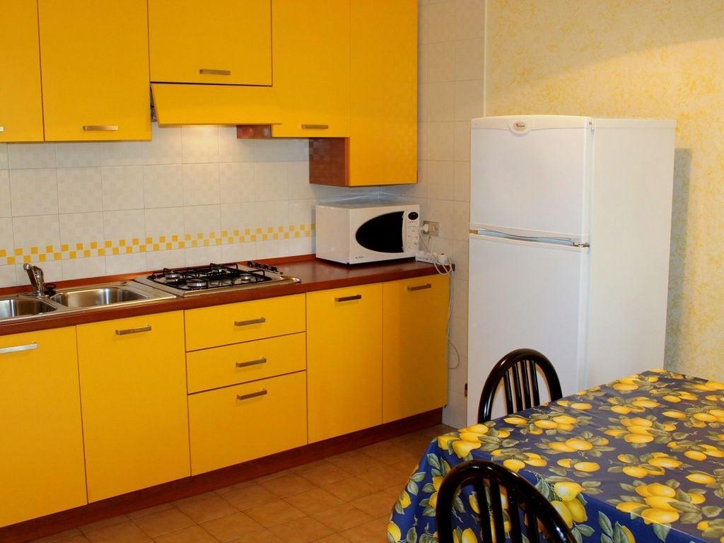 Ferienhaus Geräumiges Ferienhaus in Lazise mit Gemeinschaftspool (73572), Lazise, Gardasee, Venetien, Italien, Bild 7