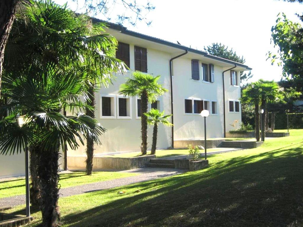 Ferienhaus Geräumiges Ferienhaus in Lazise mit Gemeinschaftspool (73572), Lazise, Gardasee, Venetien, Italien, Bild 3