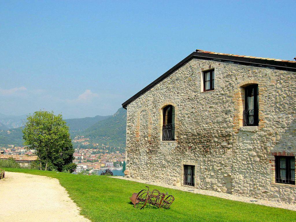 Ferienhaus Luxuriöses Ferienhaus mit Swimmingpool in Salò (178066), Salò, Gardasee, Lombardei, Italien, Bild 6