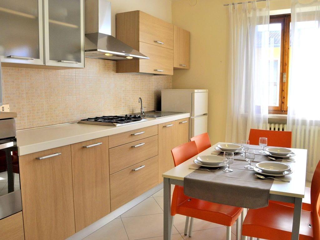Ferienhaus Geräumiges Ferienhaus in Lazise mit Gemeinschaftspool (73574), Lazise, Gardasee, Venetien, Italien, Bild 10